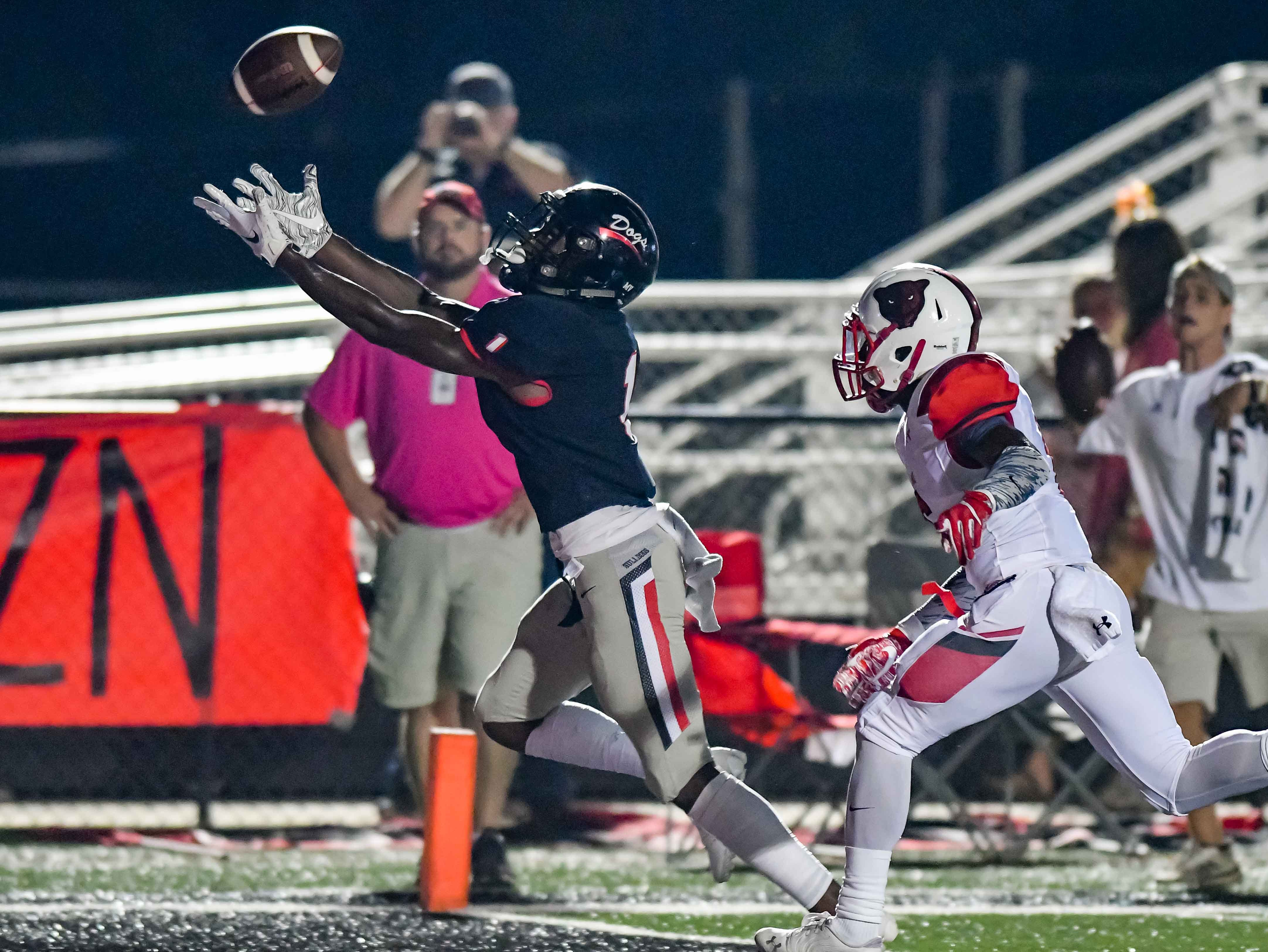 Brandon's Ashton Nickleberry (1) tries to make a catch in the end zone against Petal during game action held Friday October 5, 2018 in Brandon, Mississippi.(Photo/Bob Smith-For the Clarion Ledger)