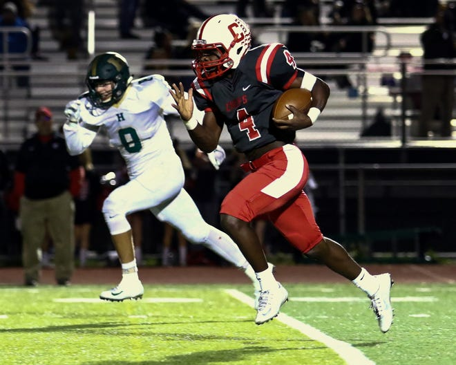 Canton's Steven Walker ran 19 times for 377 yards and five touchdowns in a 48-29 victory over Howell on Friday, Oct. 6, 2018.