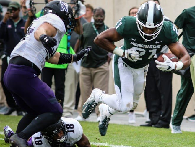 MSU WR Cam Chambers gains yardage against Northwestern, Saturday, Oct. 6, 2018.