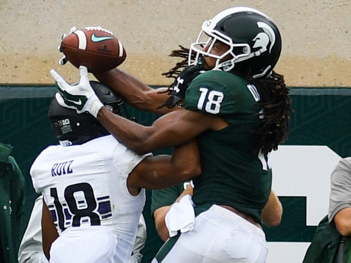 MSU WR Felton Davis III snags a pass for the Spartans' only touchdown against Northwestern, Saturday, Oct. 6, 2018.  MSU lost 29-19.
