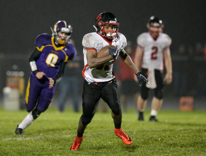 Valders' Michael Gesese-Elsenpeter is the inaugural Lakeshore Elite football player of the year, which combines players from Manitowoc and Sheboygan  counties.