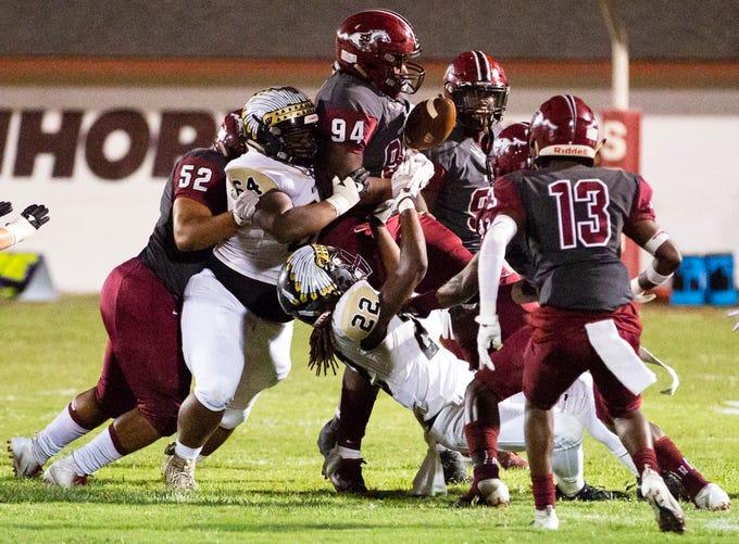 Stanhope Elmore Takes On Wetumpka In High School Football