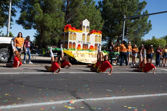 The Alpha Xi Delta Sorority float at the NMSU Homecoming Parade on October 6, 2018.