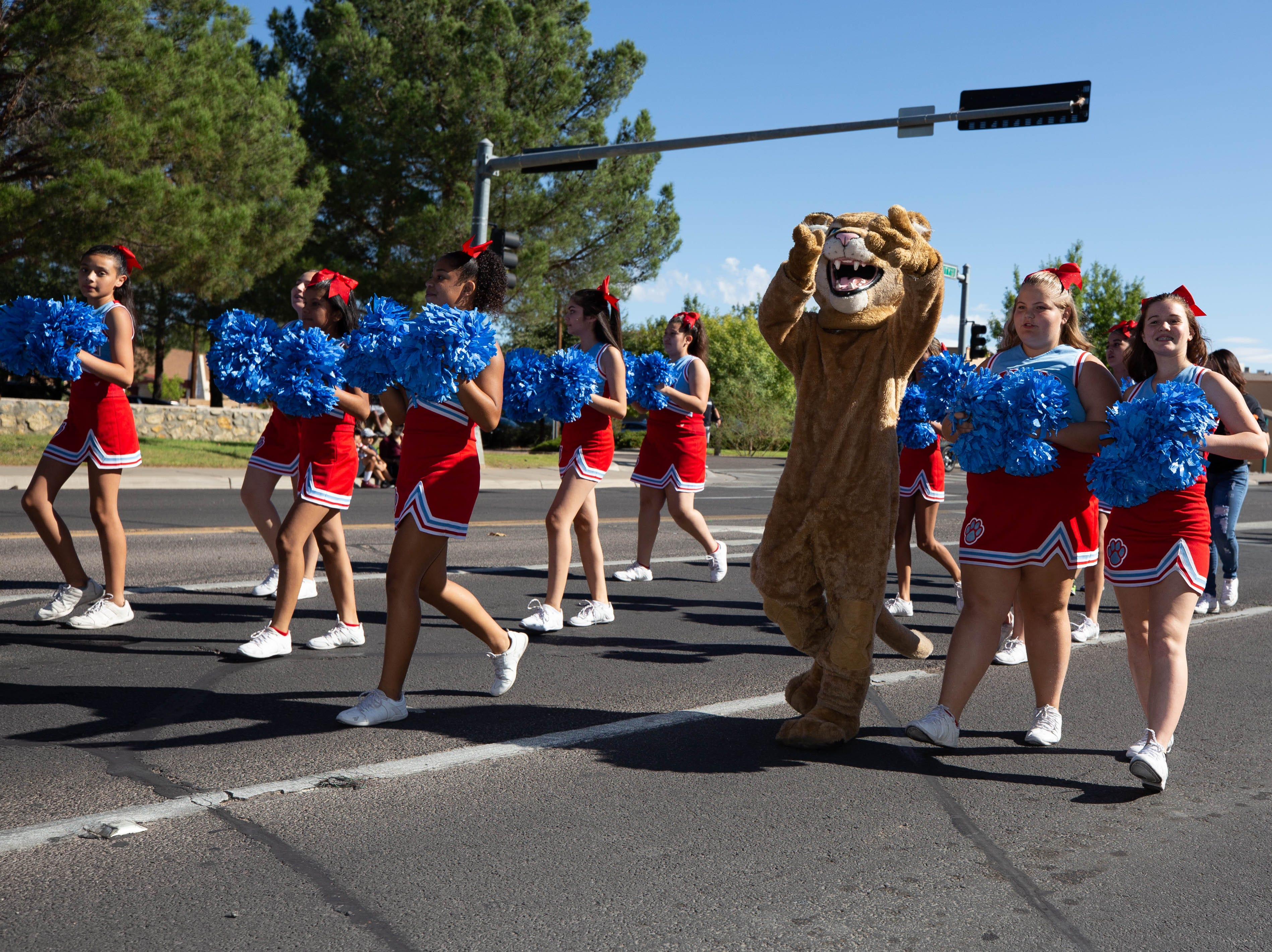 Cheer team from Lynn Middle School at the NMSU Homecoming Parade on October 6, 2018.