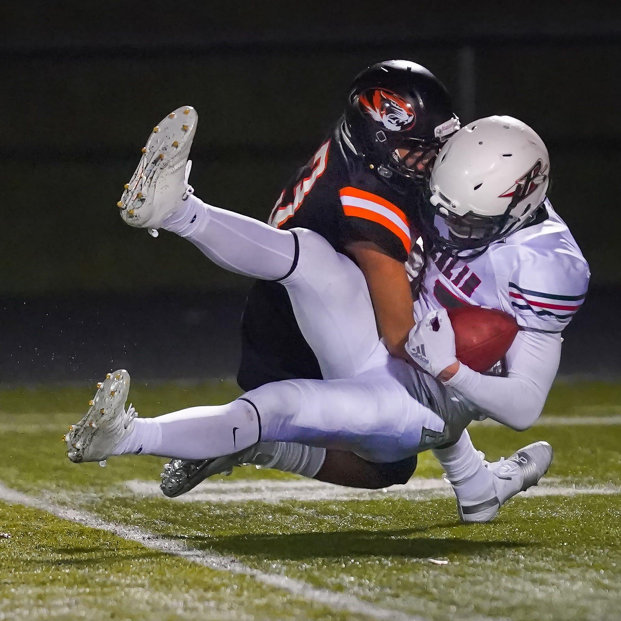 High school football: Five teams in Oshkosh-area clinch playoff spot
