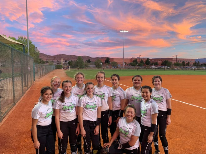 The Mesquite Riot 12U softball team.