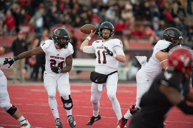 Aaron Zwahlen throws a pass during SUU's loss to No. 5 Eastern Washington on Oct. 6, 2018.