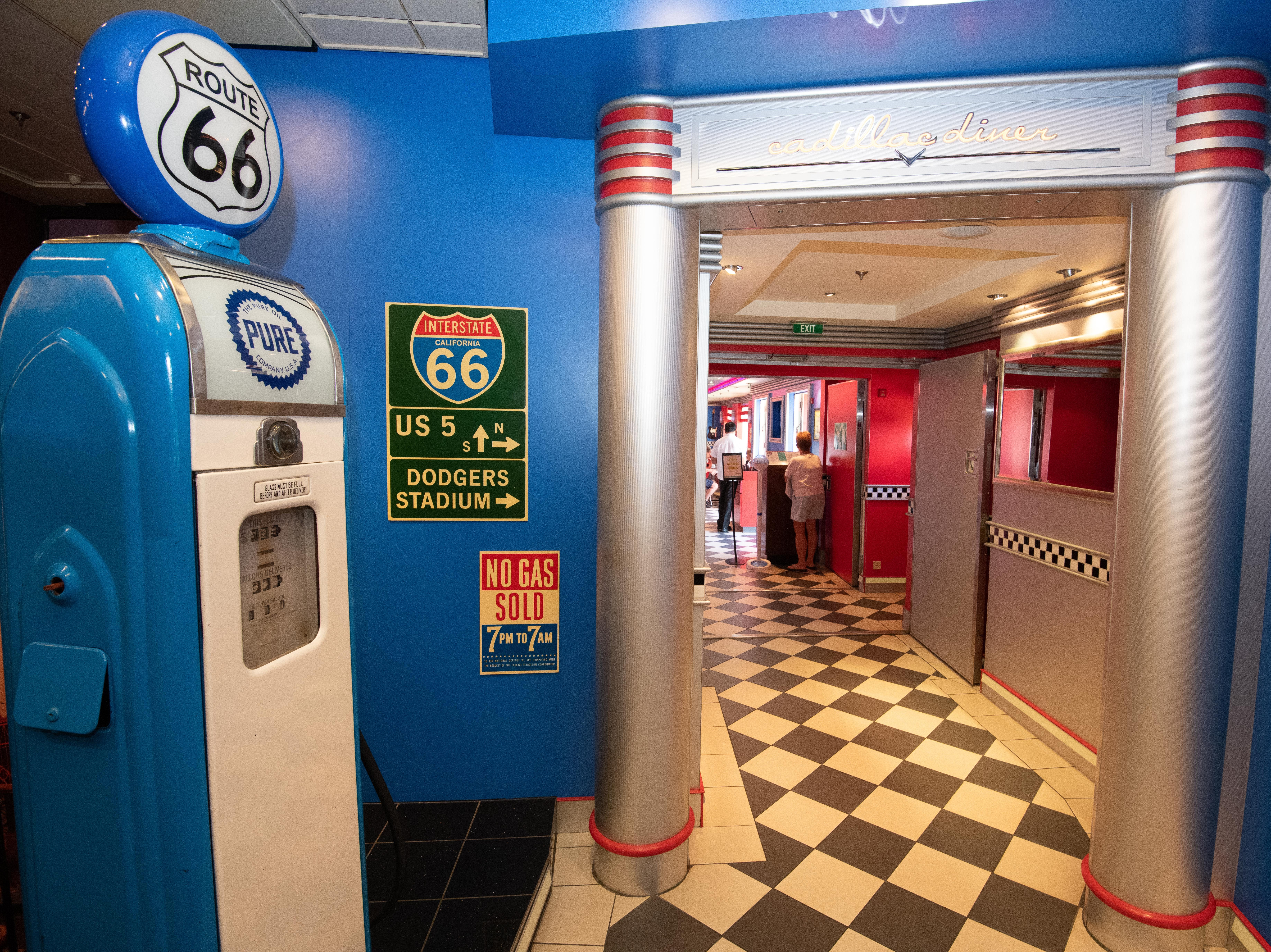 Located on Deck 6, the 1950s-themed Cadillac Diner has Cadillac seats, plays '50s Rock 'n Roll and offers up a classic menu of burgers, fish 'n chips, potpies and wok-fast dishes. It's one of the six eateries on Pride of America where dining is included in the fare.