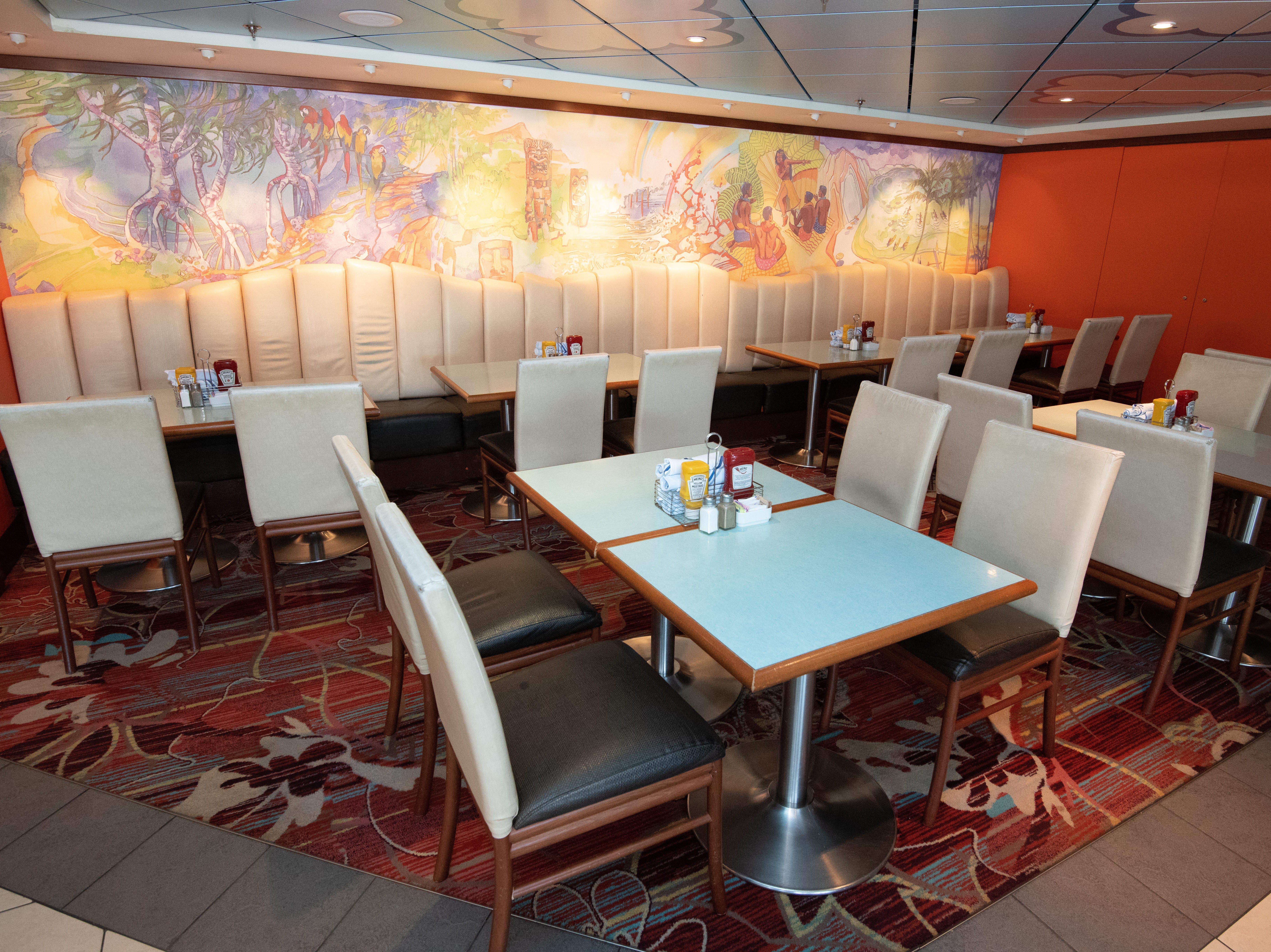Located just off the main pool area on Deck 11, Aloha Cafe has a Hawaiian theme and is open for breakfast, lunch and dinner.
