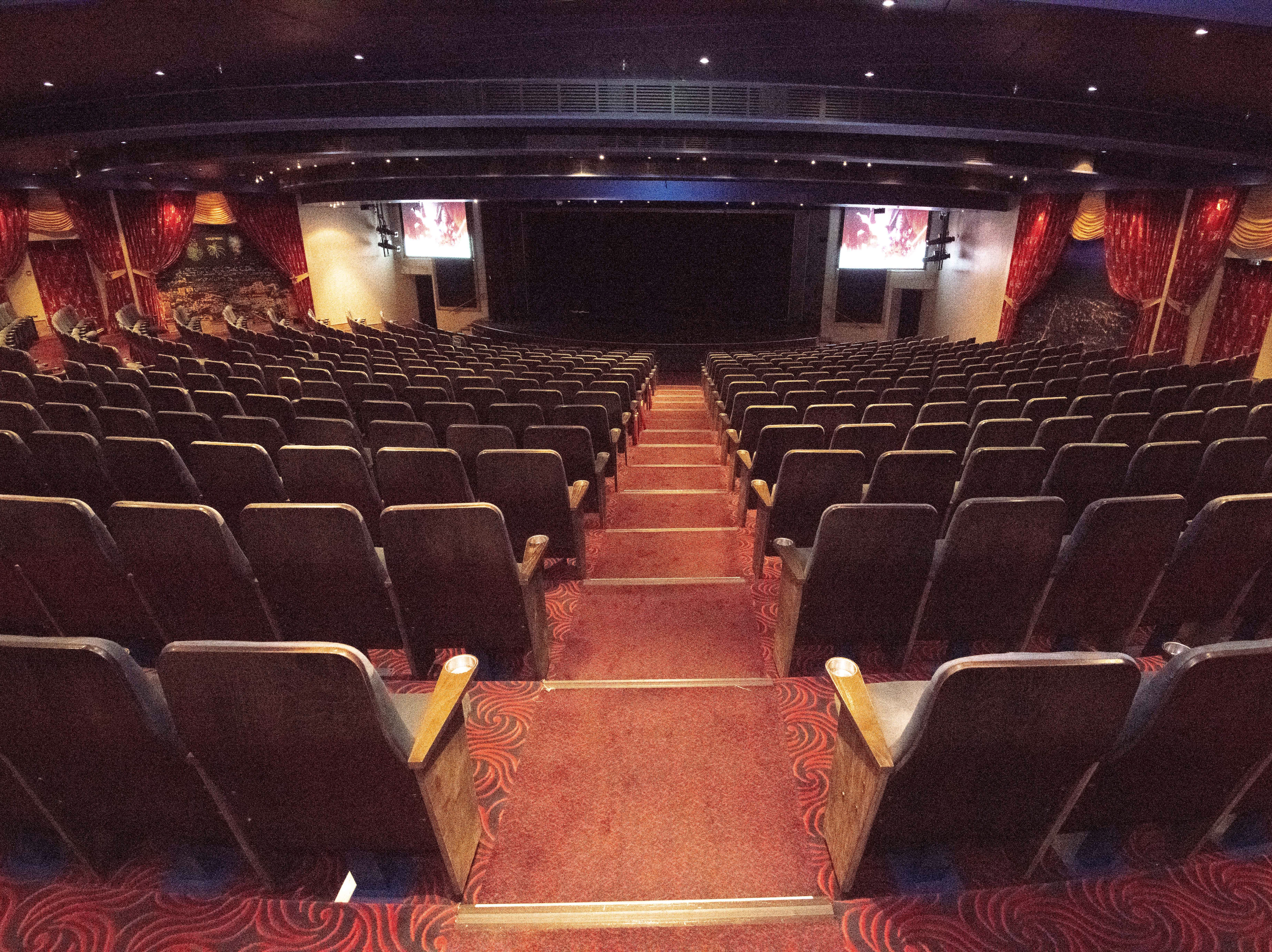 Pride of America's main entertainment venue is the Hollywood Theater, which can seats 880 passengers at a time. It's located at the front of the ship on Deck 5.