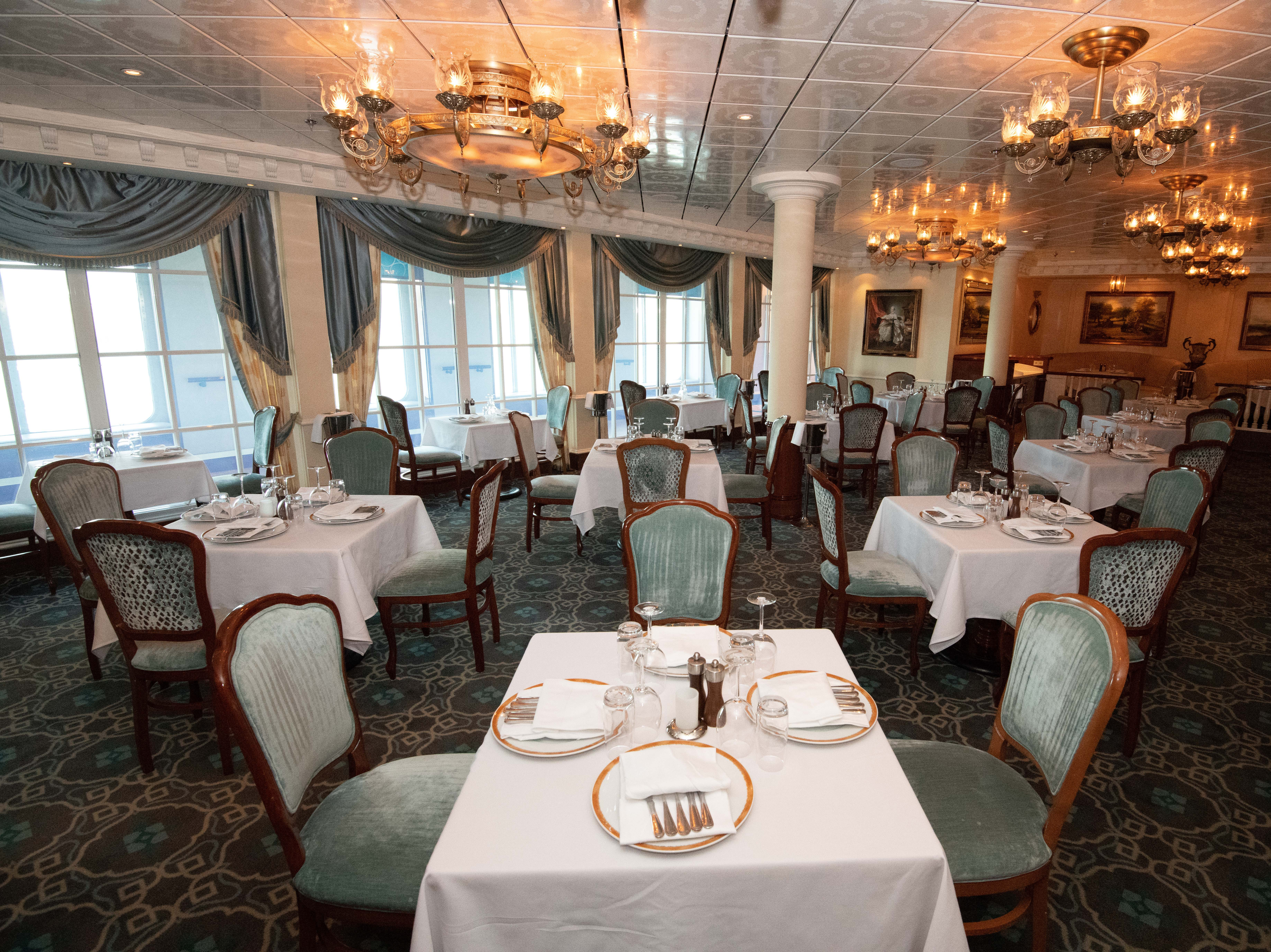 Located on Deck 5 and open for dinner only, Jefferson's Bistro offers seating for 84 people.