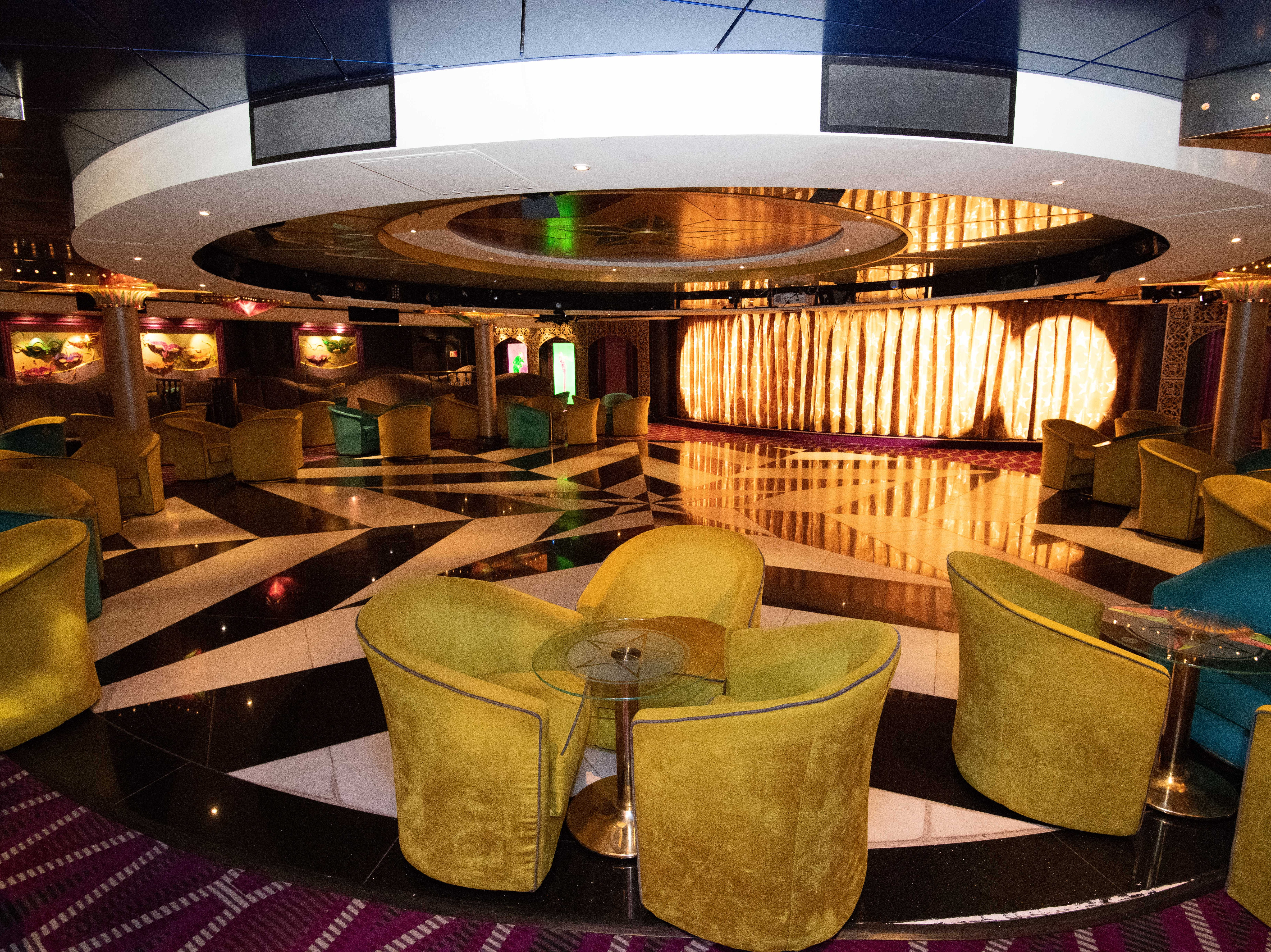 At the back of Deck 6 is the New Orleans-themed Mardi Gras Cabaret Lounge & Nightclub.