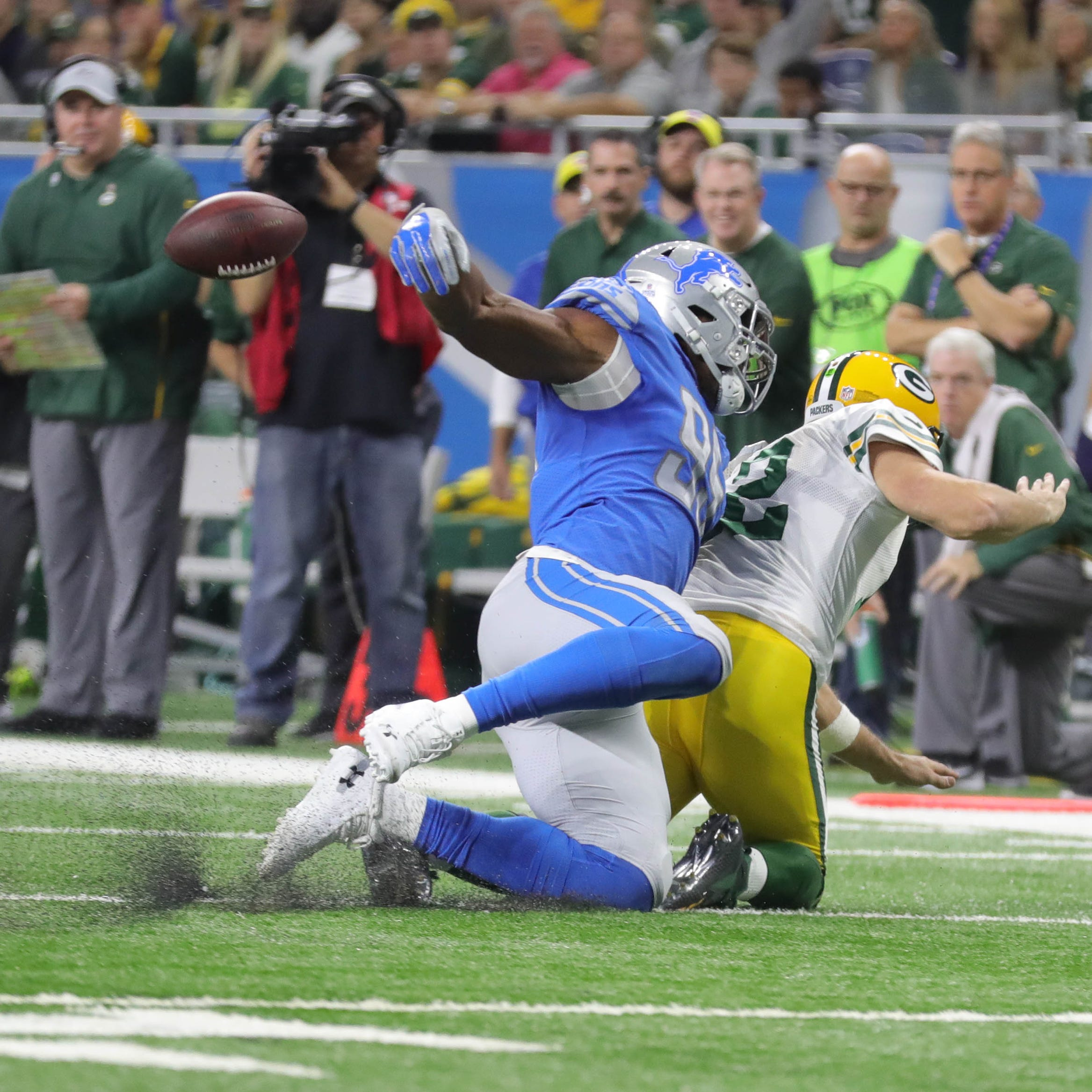 Mitch Albom: Detroit Lions corral Packers' Aaron Rodgers for a change