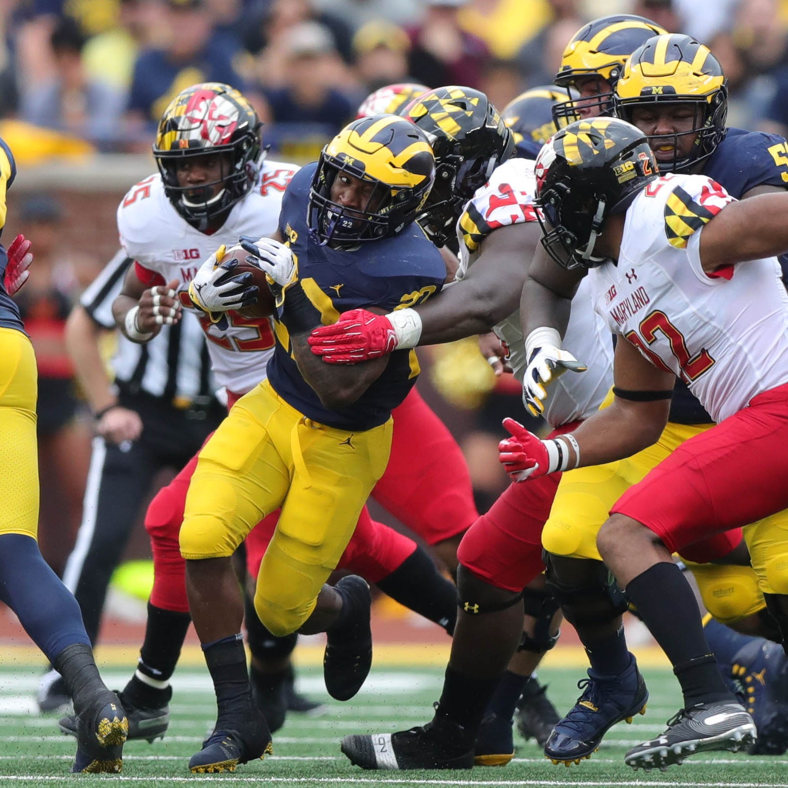 Michigan football rises in USA TODAY poll; Michigan State falls out