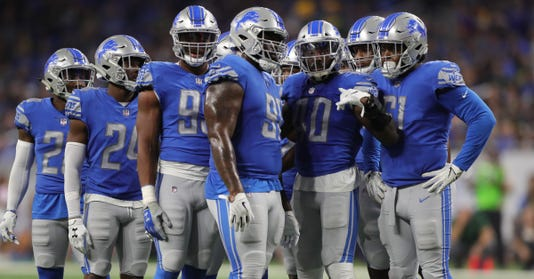 Detroit Lions huddle, Detroit Lions defense