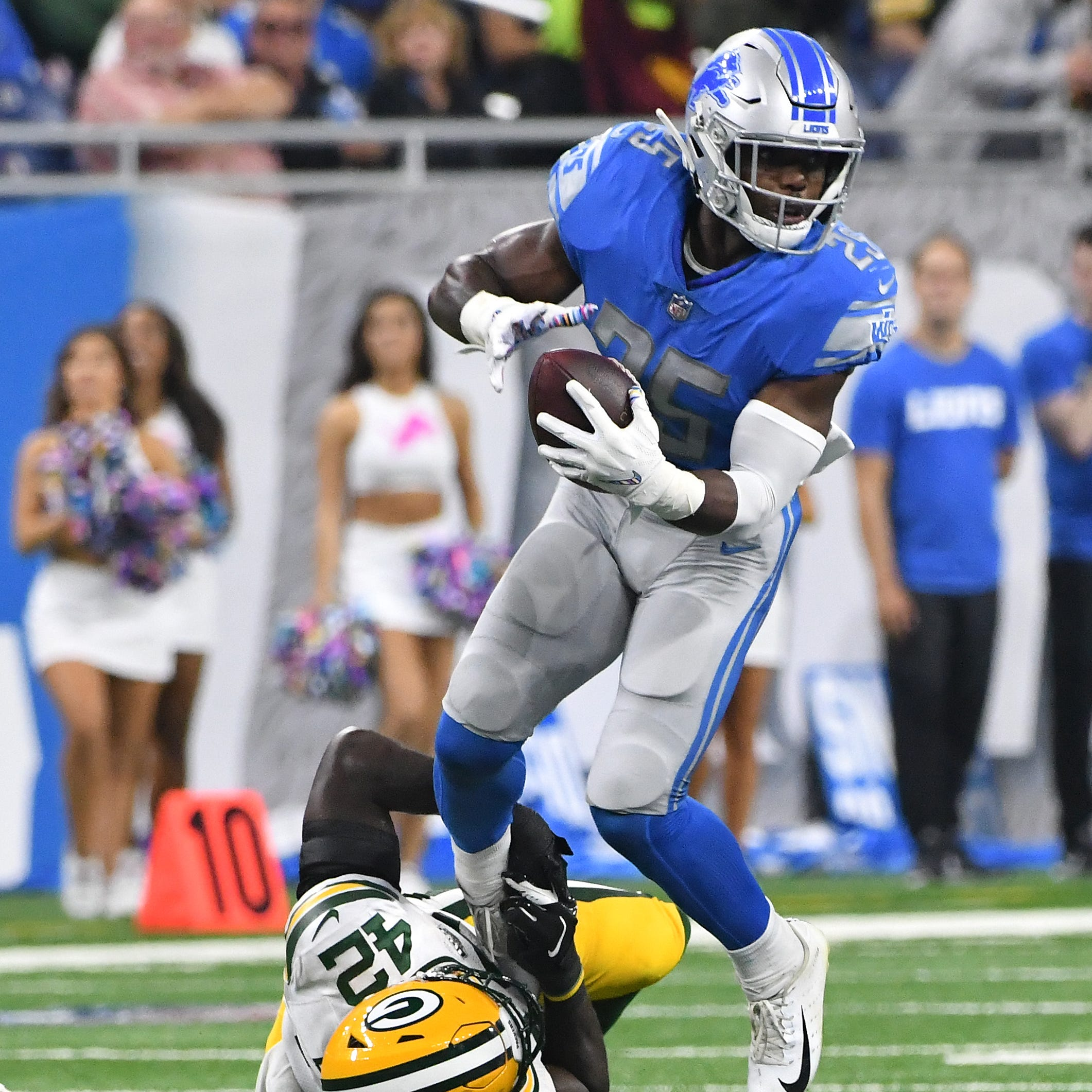 Lions running back Theo Riddick misses second straight practice