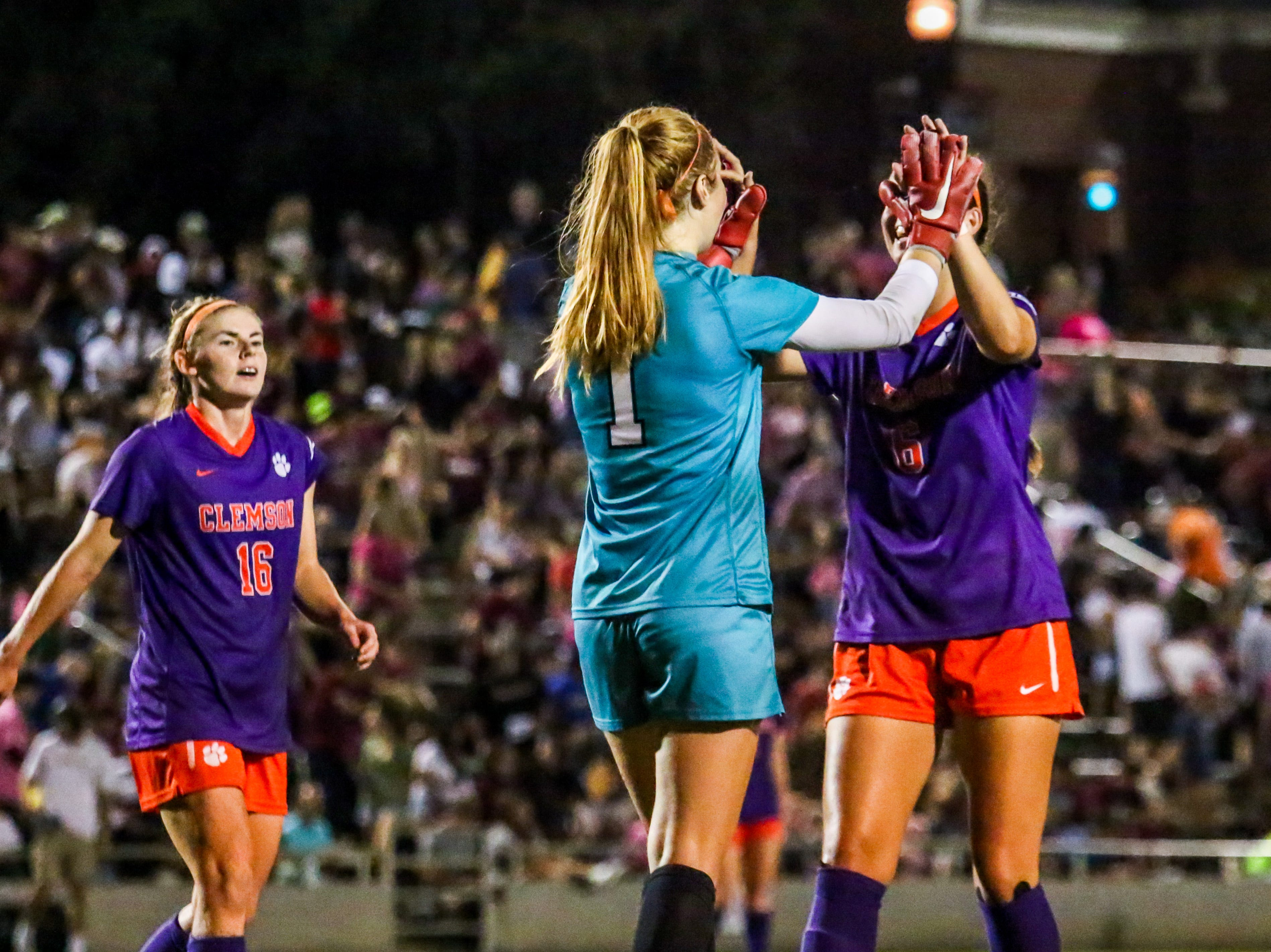Clemson's defense held strong throughout the whole game, taking down the Noles 1-0 on Thursday, October 4th at the Seminole Soccer Complex.