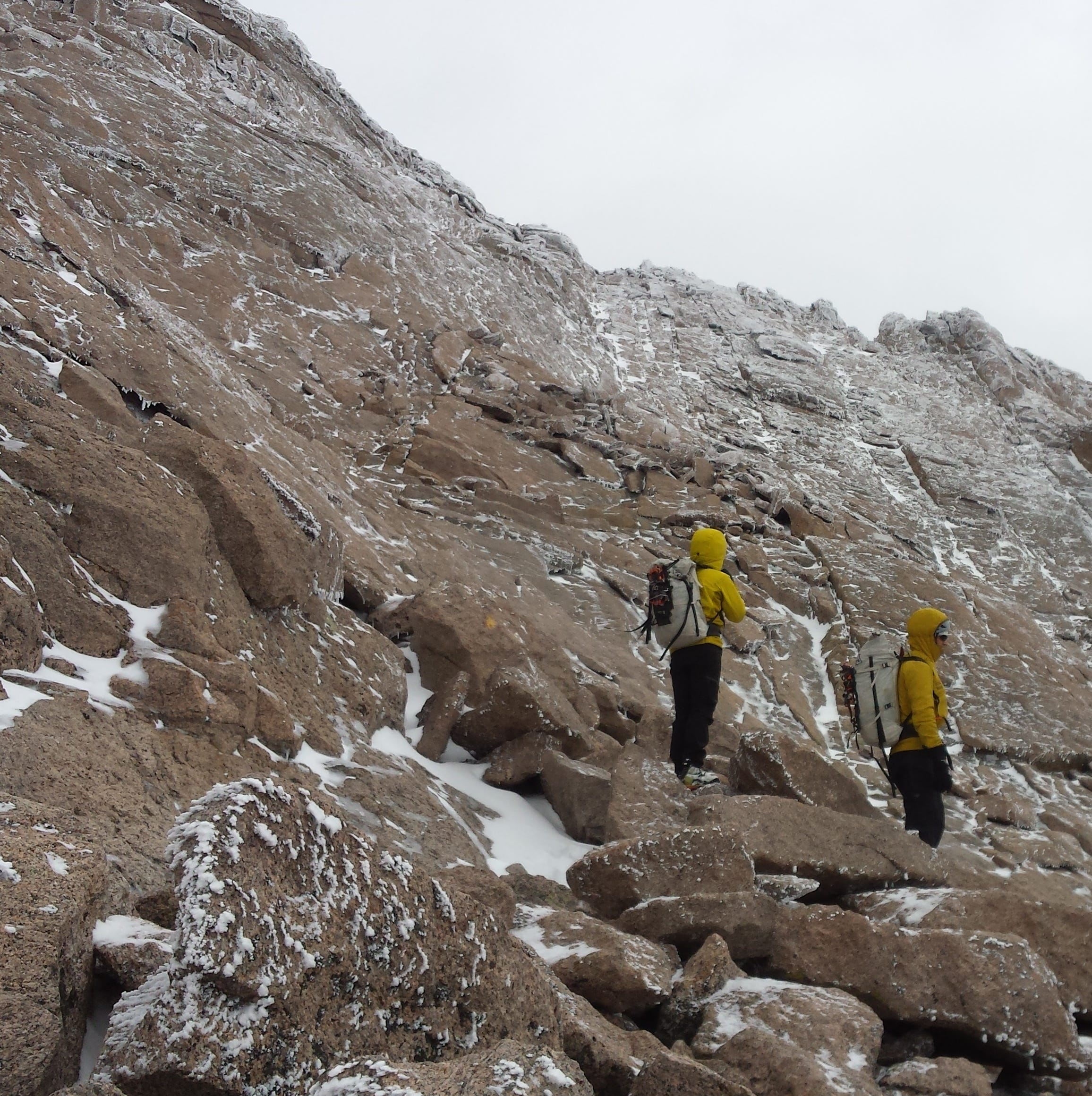 As weather worsens, still no clues in search for missing New Jersey hiker on Longs Peak