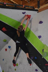 Competitors had to finish by reaching the final hold with both hands.