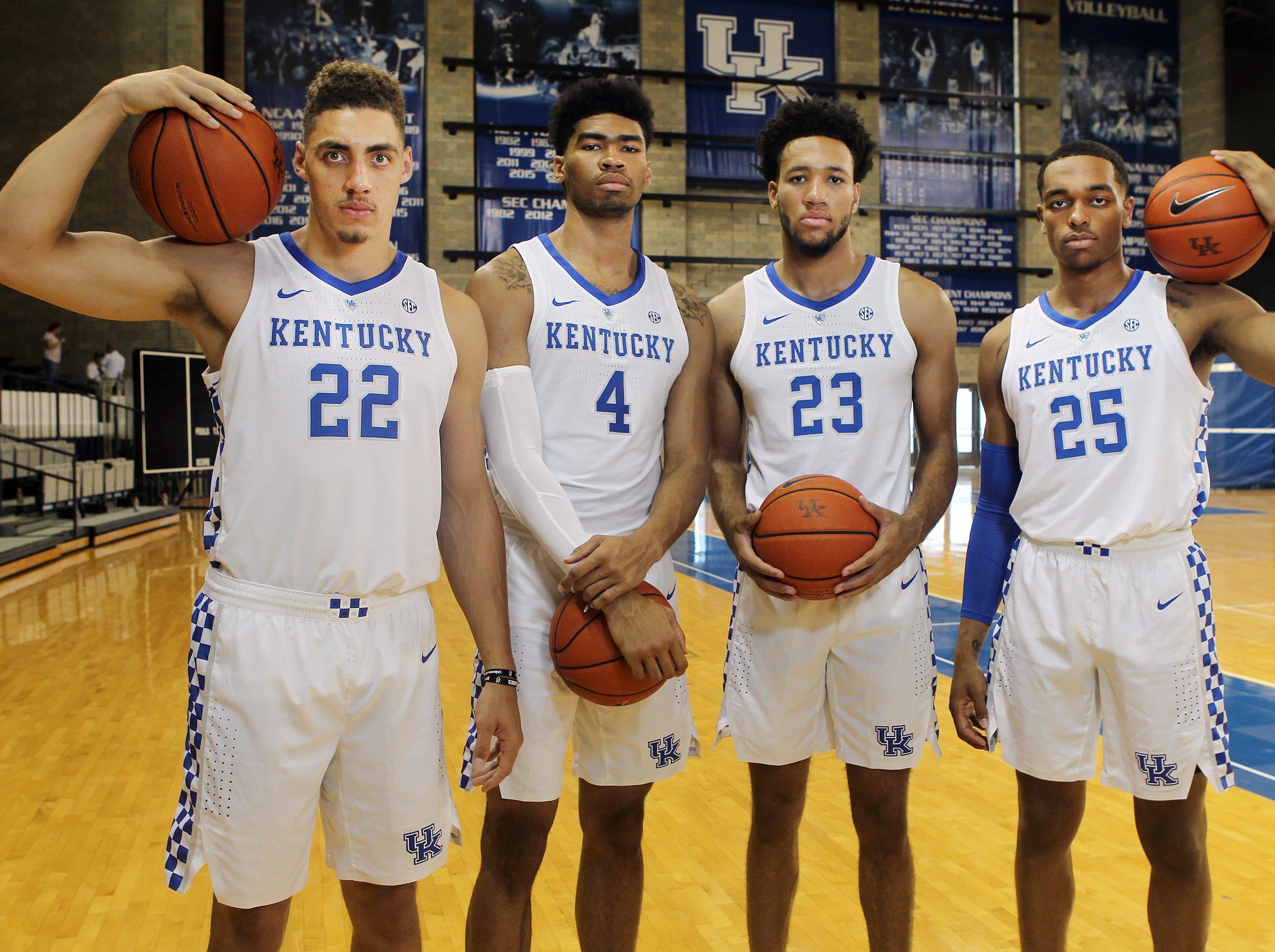 Kentucky big men Reid Travis (22), Nick Richards (4), EJ Montgomery (23) and Pj Washington pose during the teams picture day in Memorial Coliseum on campus. Sep. 20, 2018