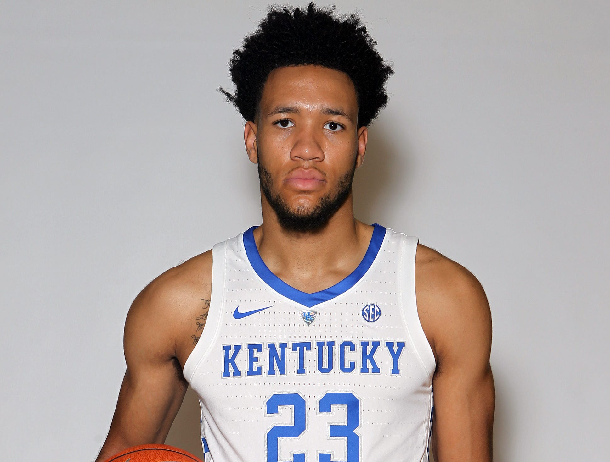 Kentucky's EJ Montgomery poses during the teams picture day in Memorial Coliseum on campus. Sep. 20, 2018