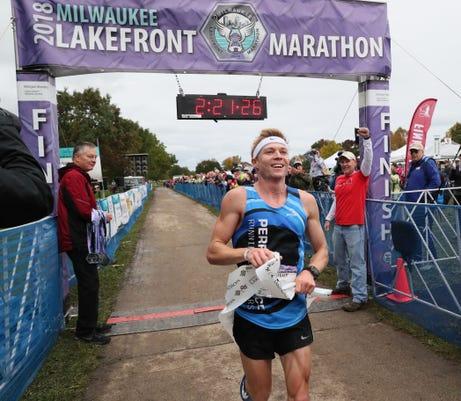 Mjs Marathon08 Nws Sears 5