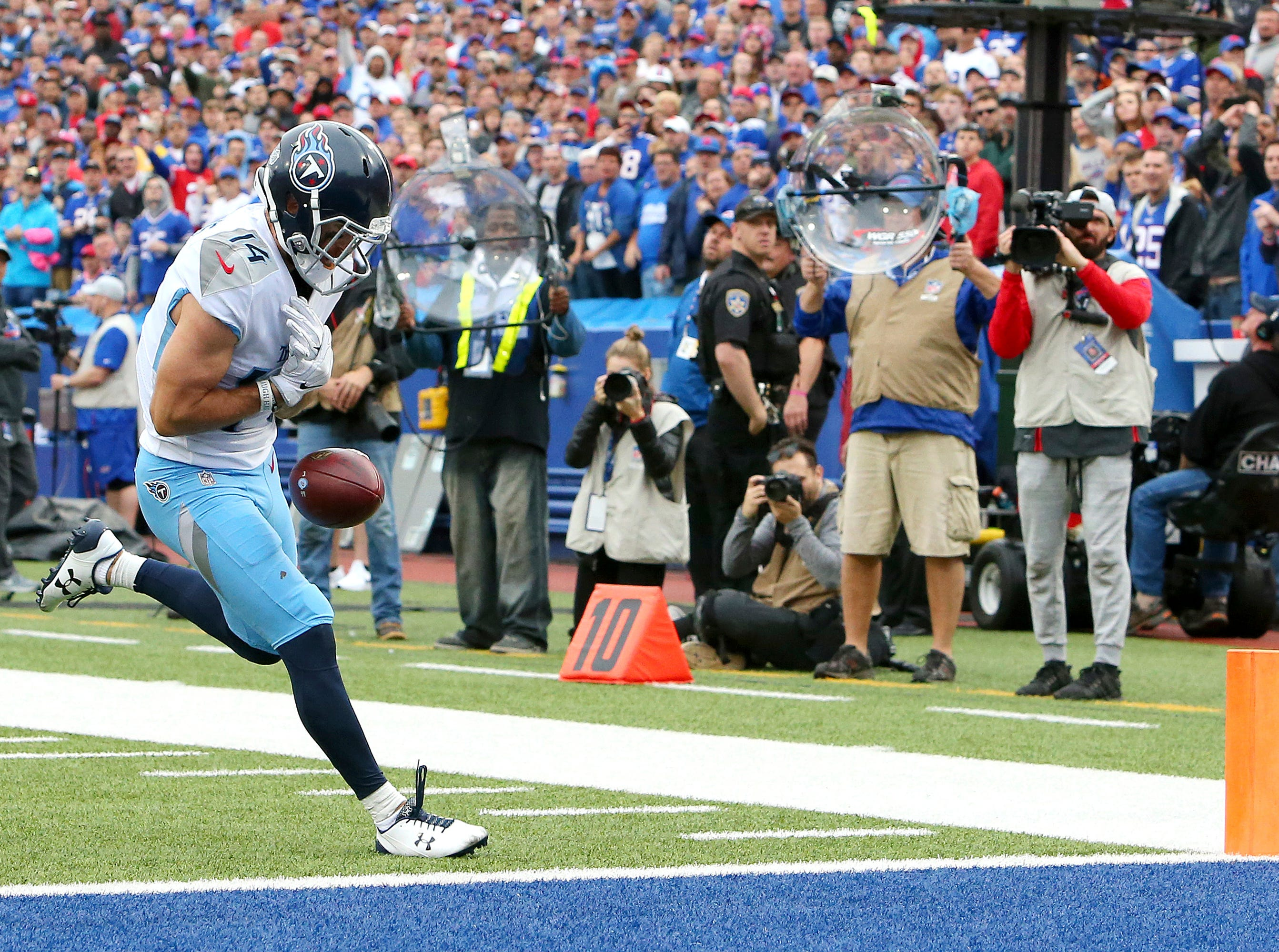 Tennessee Titans wide receiver Nick Williams drops a pass from quarterback Marcus Mariota near the end zone during the second half of an NFL football game against the Buffalo Bills, Sunday, Oct. 7, 2018, in Orchard Park, N.Y. (AP Photo/Jeffrey T. Barnes)