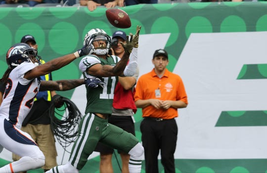 Robby Anderson gets ready to catch his second touchdown pass of the first half.  Sunday, October 7, 2018