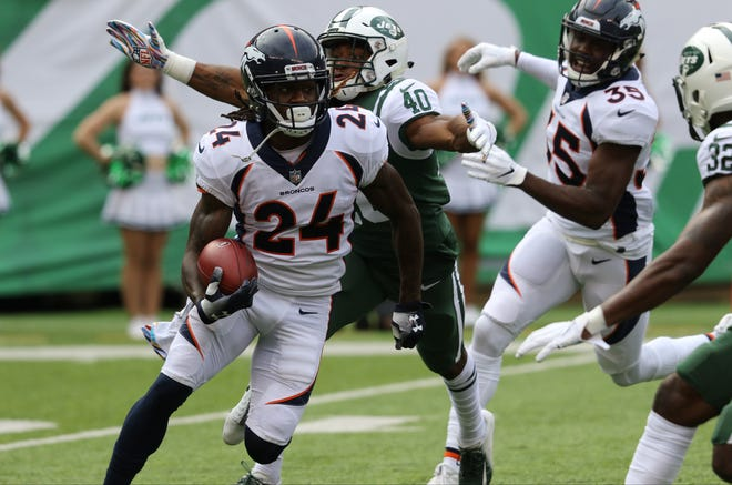 Trenton Cannon, of the Jets, gets ready to tackle Adam Jones, of the Broncos. Sunday, October 7, 2018