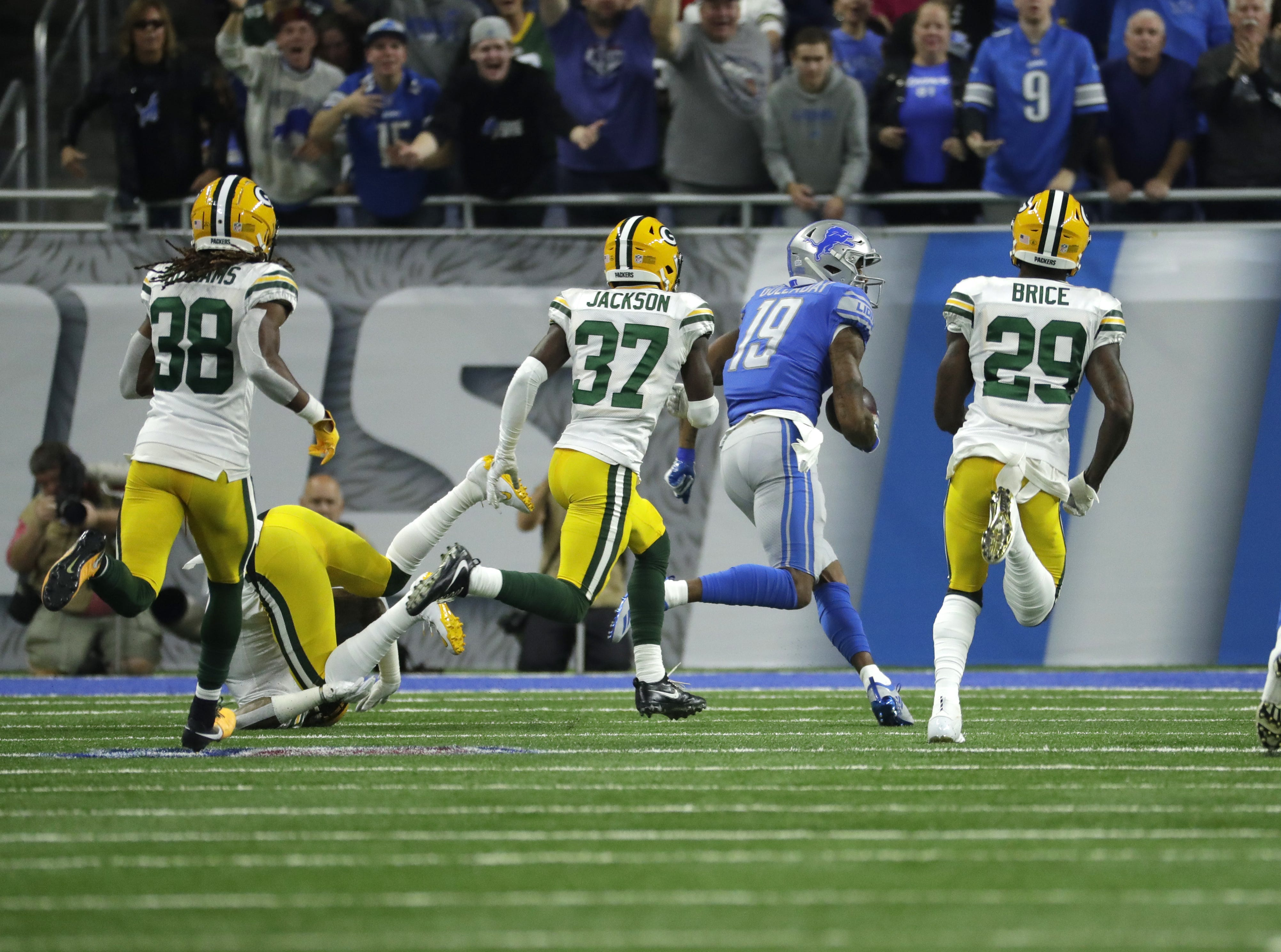 Detroit Lions wide receiver Kenny Golladay (19) scores a td during the Green Bay Packers vs. Detroit Lions NFL game at Ford Field, Detroit, Sunday, October 7, 2018.