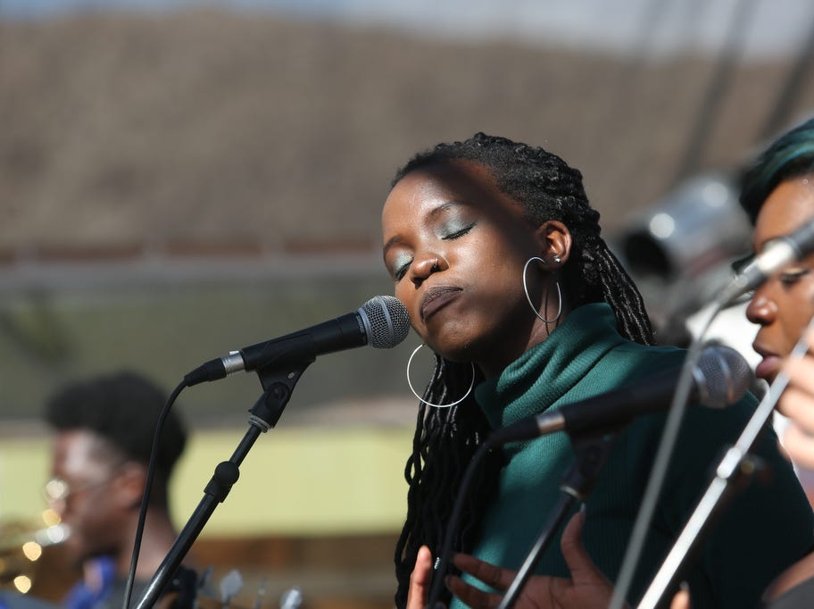 Singers for Selah Poitier perform 