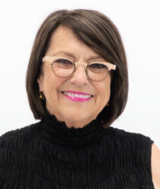 204580049 Lois Benson 2018