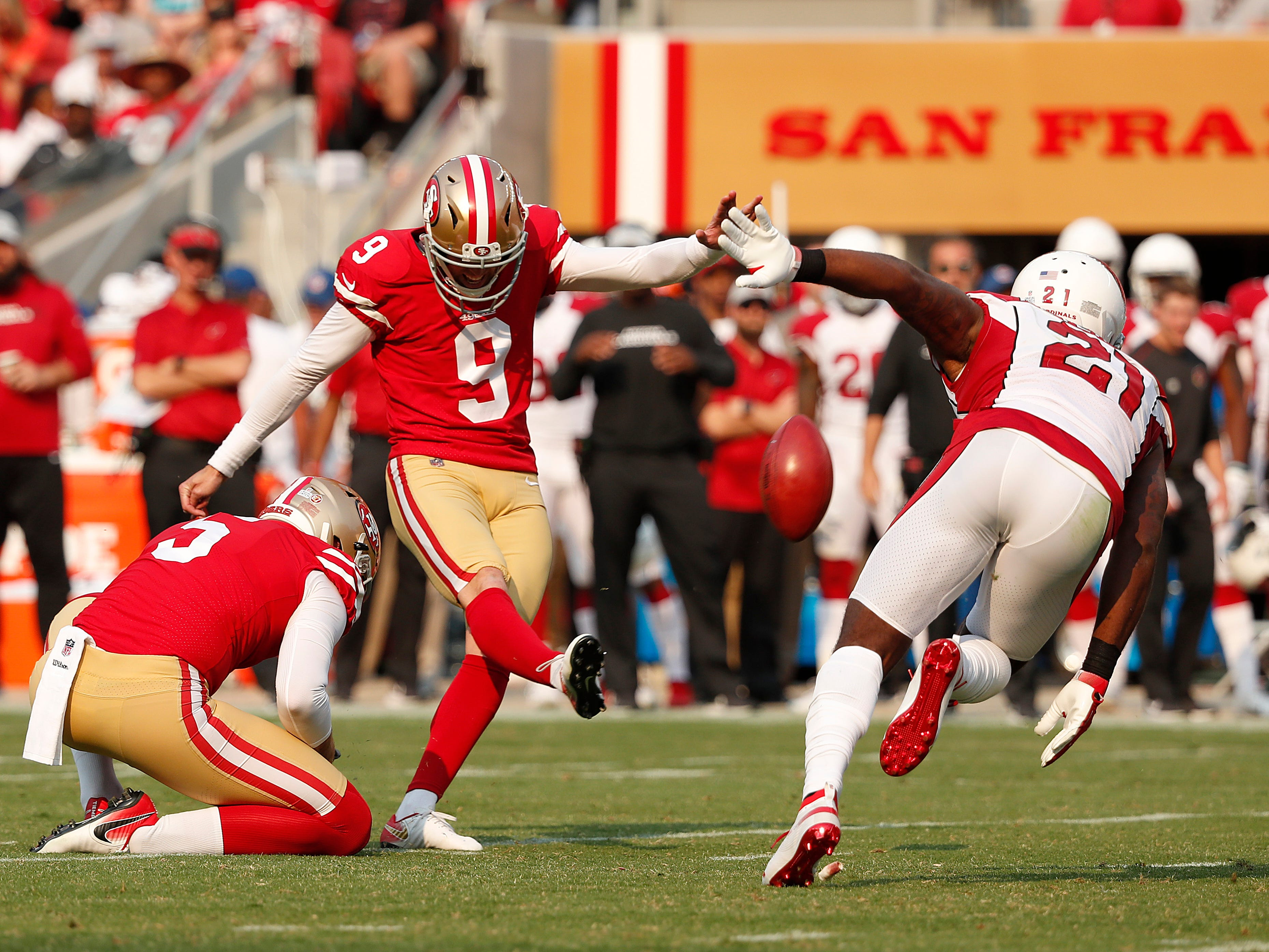 San Francisco 49ers kicker Robbie Gould (9) kicks a field goal attempt, which he missed, during the second half of an NFL football game against the Arizona Cardinals in Santa Clara, Calif., Sunday, Oct. 7, 2018.