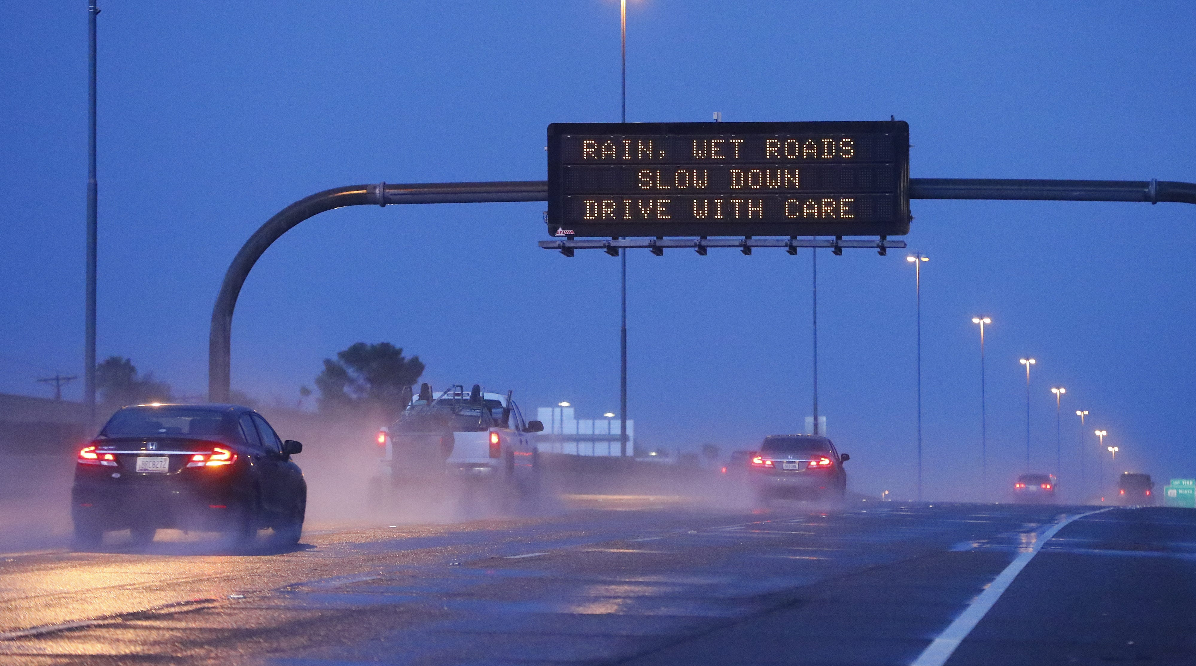 Phoenix weather: Showers, cooler temperatures to linger over weekend from Hurricane Sergio remnants | Arizona Central