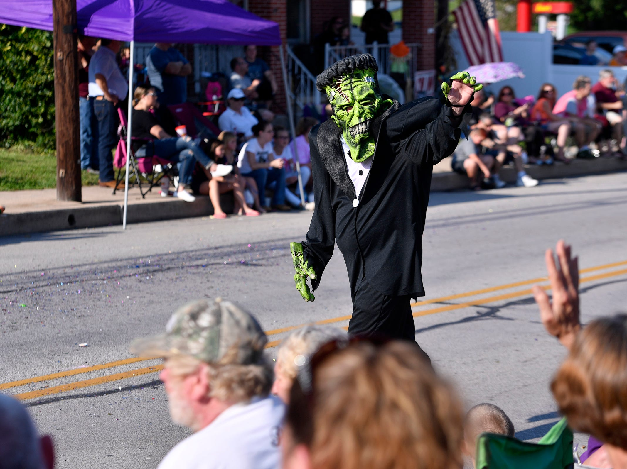 Big crowd in Dover for first Halloween Parade in the area, Sunday Oct. 7, 2018. John A. Pavoncello photo