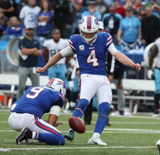 Bills kicker Stephen Hauschka kicks a 46-yard field goal to beat the Titans 13-12 on the last play of the game on Oct. 7, 2018.
