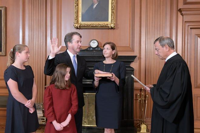 Chief Justice John Roberts swears in Brett Kavanaugh, Oct. 6, 2016, Washington, D.C.