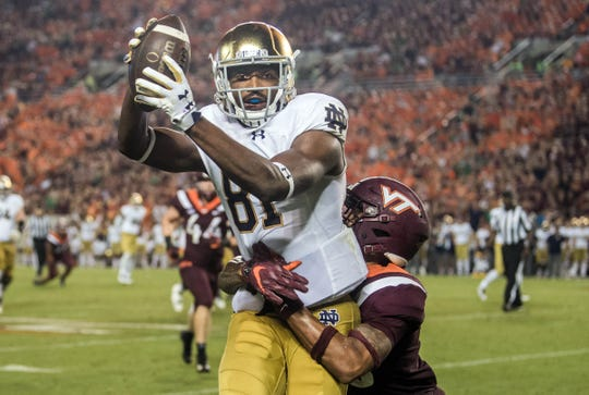 Notre Dame Fighting Irish wide receiver Miles Boykin (81) catches a second-half pass.