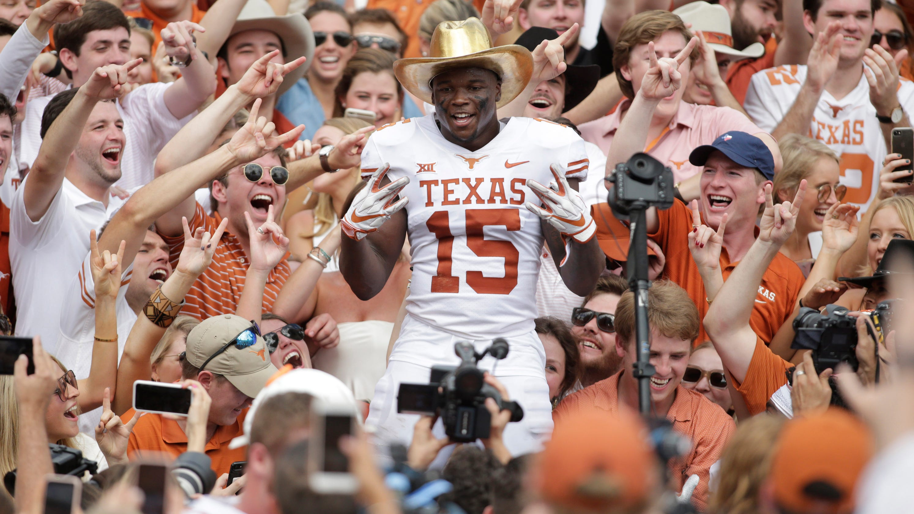 Texas takes big step forward with defeat of Oklahoma that also is big win  for Big 12 cad558253