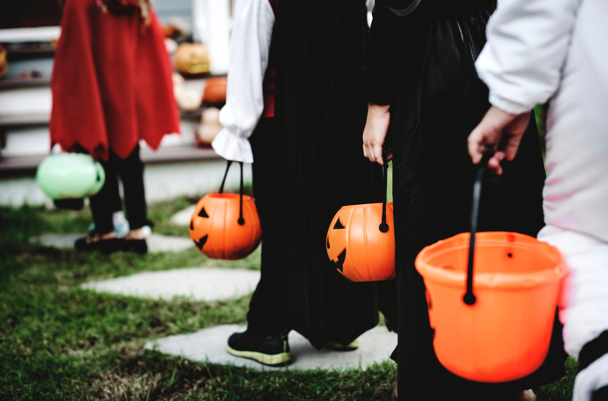 Halloween Staunton 2020 Staunton funeral home holding drive through trick or treat event
