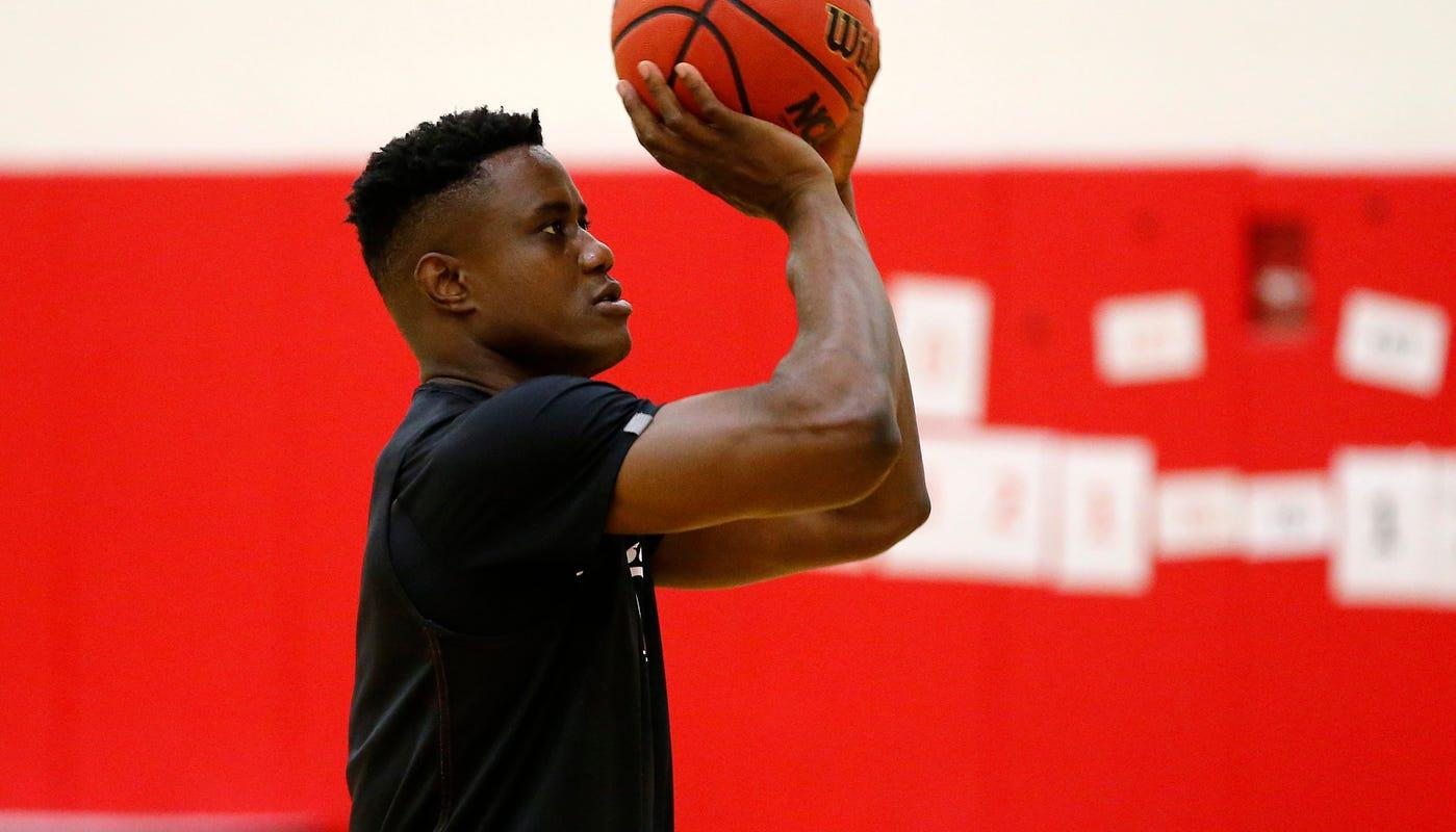 Cincinnati basketball forward Prince Toyambi undergoes surgical procedure