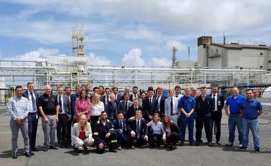 LyondellBasell Edison plant hosts students form the Netherlands