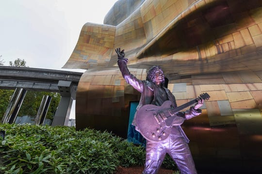 A bronze statue of Chris Cornell was unveiled Sunday at the Museum of Pop Culture in Seattle.