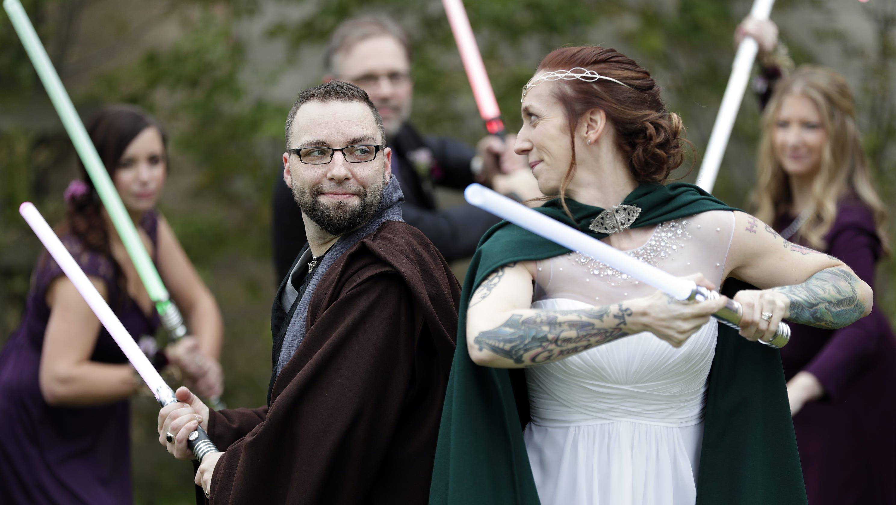 Star Wars Wedding.Star Wars Wedding Special Day Of Lightsabers Darth Vader