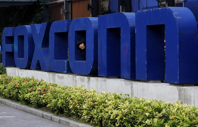 Foxconn is holding job fairs in 5 cities across Wisconsin.