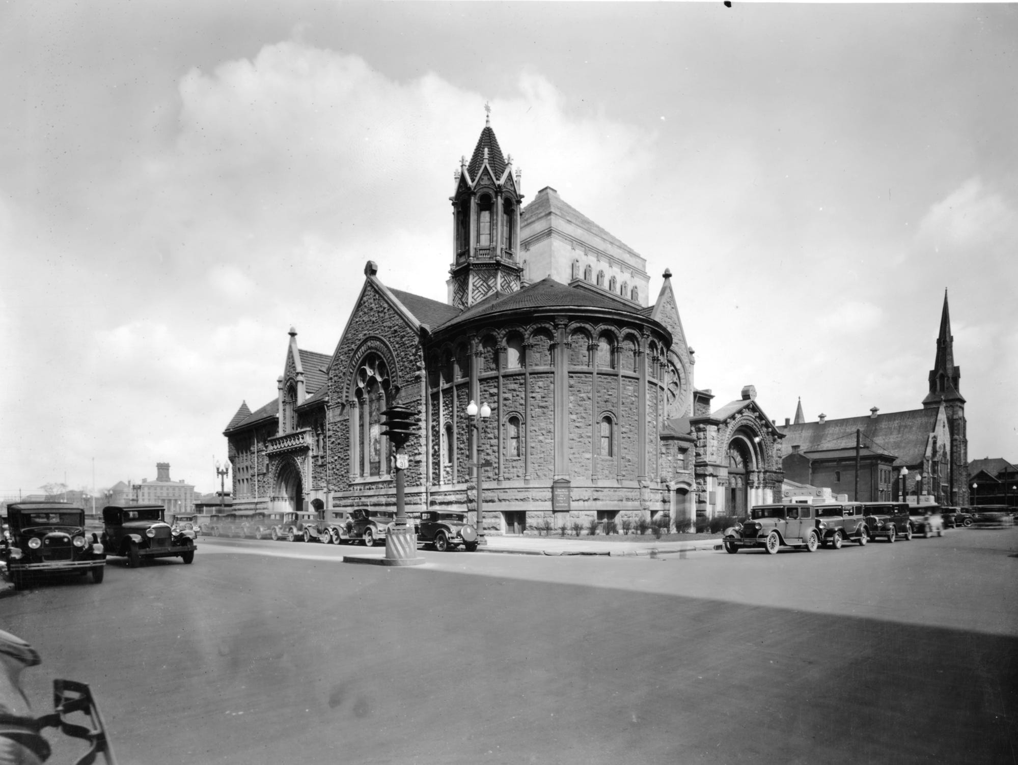 Second Presbyterian Church and First Baptist Church on March 24, 1929. Both churches flanked the Indiana War Memorial and the congregations eventually moved to the suburbs. Both churches were demolished in 1960.