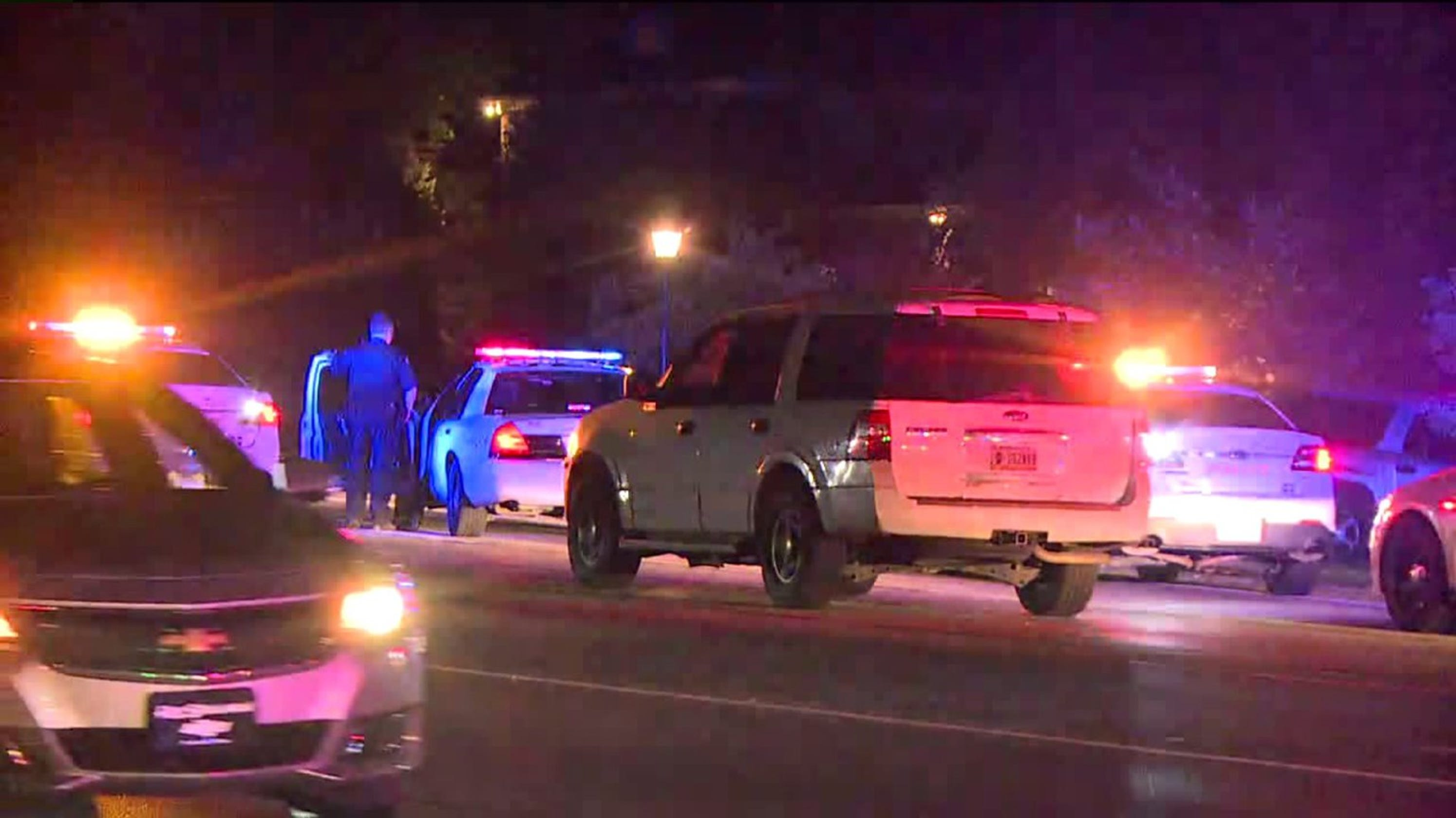 Indianapolis crime: Shot fired as robbery suspects slip ...