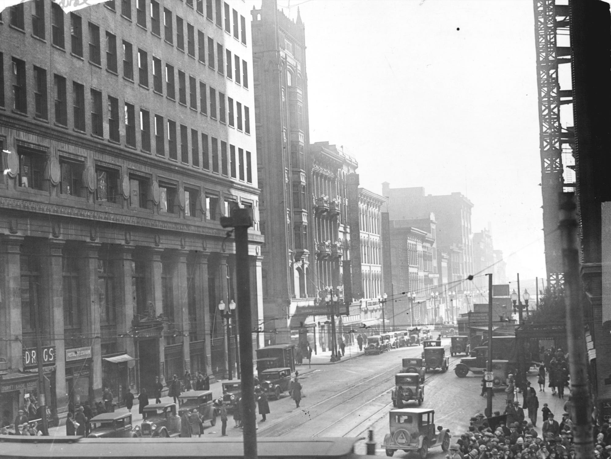 South Meridian street scene from Monument Circle on Dec. 31, 1928.
