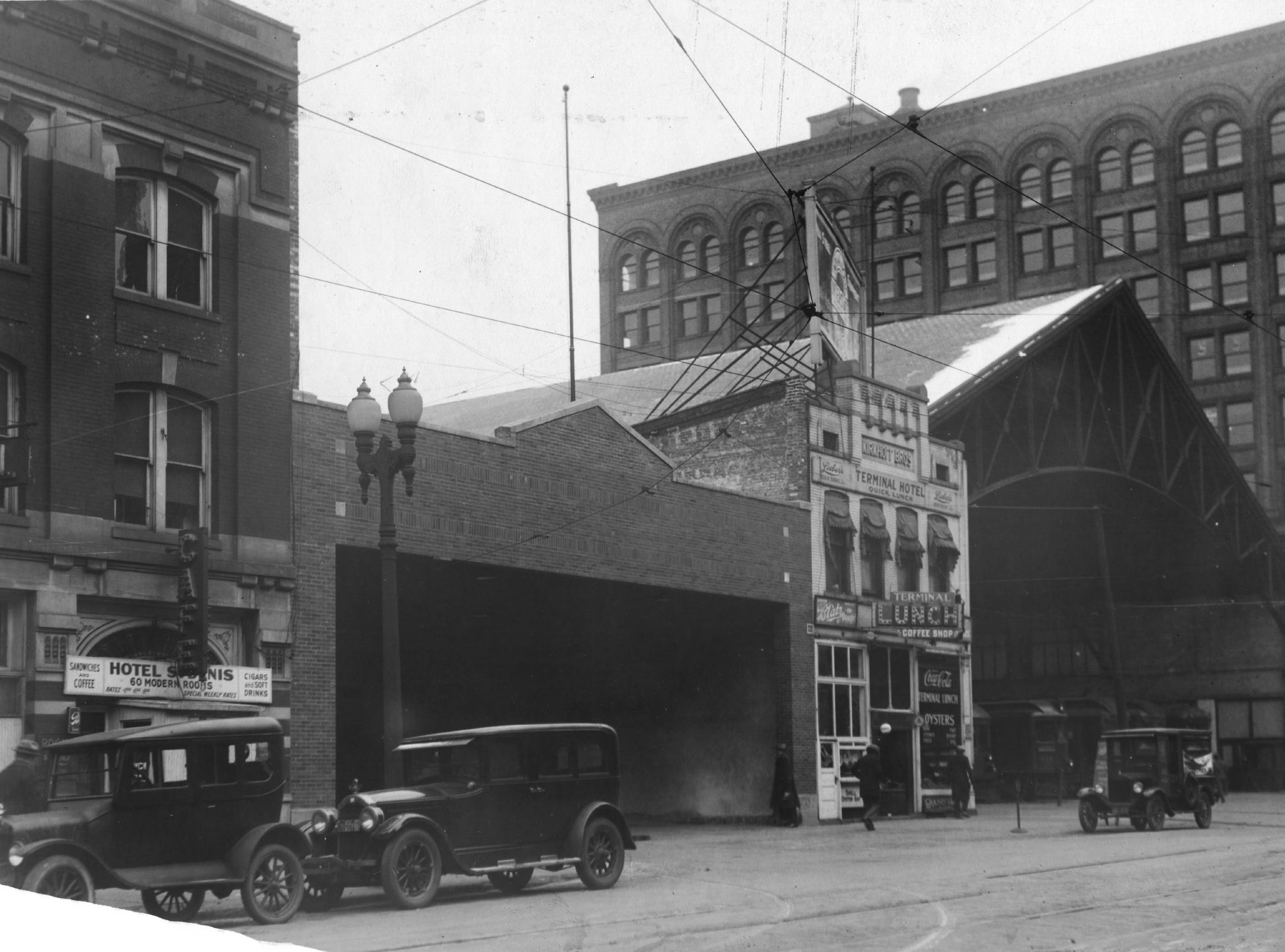 Indianapolis Traction Terminal on the far right and bus station in 1929.