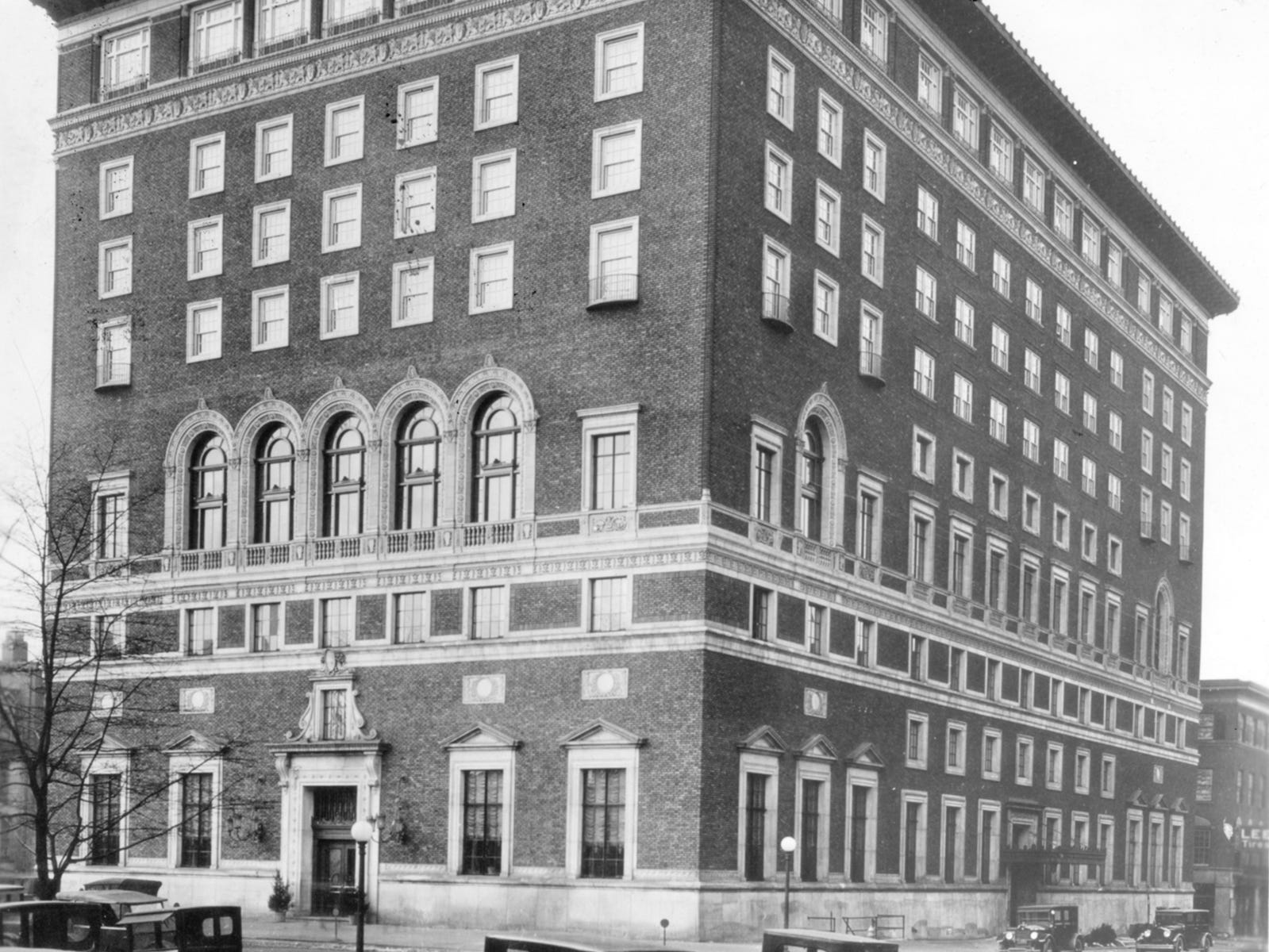 Indianapolis Athletic Club in 1920Õs.
